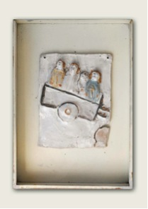 """Beatrice 8 – on the wagon"", ceramic tile by Franco Cenci."