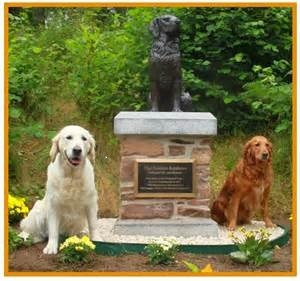 Statue commemorating the establishment of the Golden Retriever breed